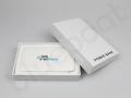 powerbank z nadrukiem FAKRO w białym pudełku prezentowym