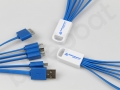 kabel z logo z wieloma końcówkami do ładowania smartfona